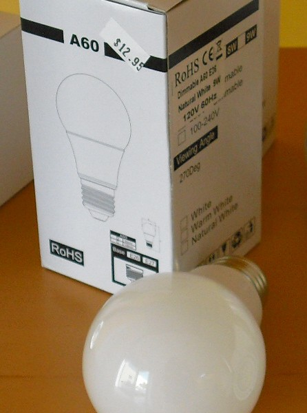 LED replacment lamp A19